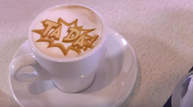 Menarik, Mesin Latte Art Ini Dapat Mencetak Wajah Anda pada Kopi
